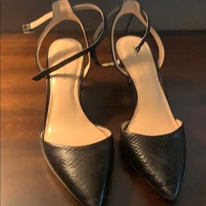 Banana republic pointy kitten heels shoes